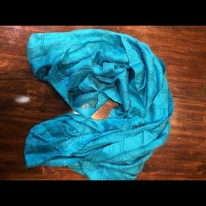 Turquoise infinity scarf in perfect condition